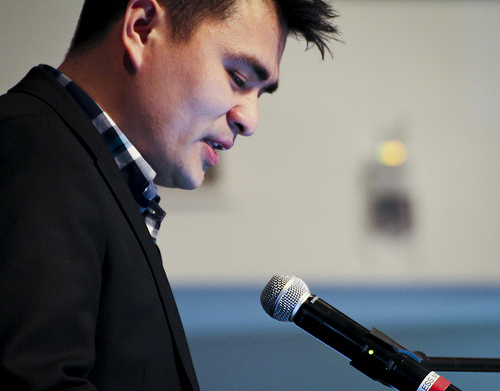 Jose Antonio Vargas discusses immigration with CSUN students and faculty. Karla Henry/EL NUEVO SOL