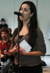 Maribel Serrano, an undocumented CSUN student, shares her story with Vargas and the audience. Karla Henry/EL NUEVO SOL