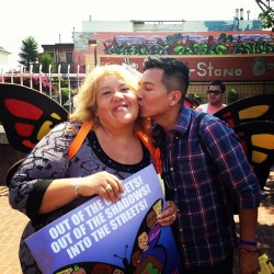 Ronnie Veliz next to a DREAMers mom. Photo courtesy of Ronnie Veliz.